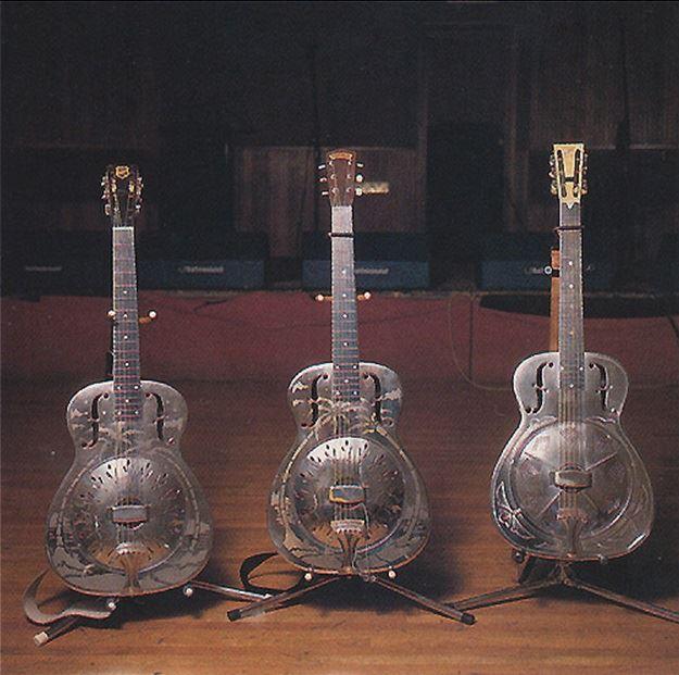 Guitares-National-Notting-Hillbillies3