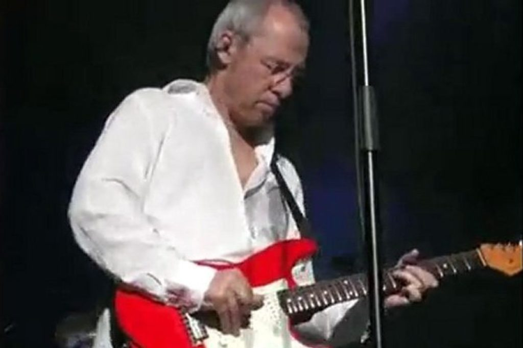 Mark-Knopfler-Lyon2005