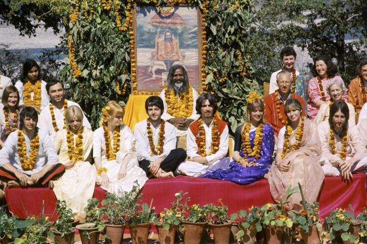 Beatles-rishikesh-group